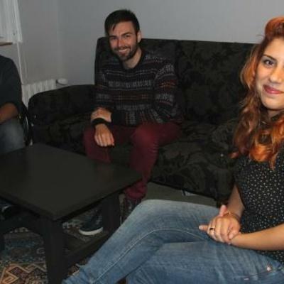 Ces trois jeunes découvrent la culture française