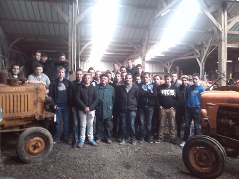 Des internes ont visité le Musée du Tracteur à Thourie 0