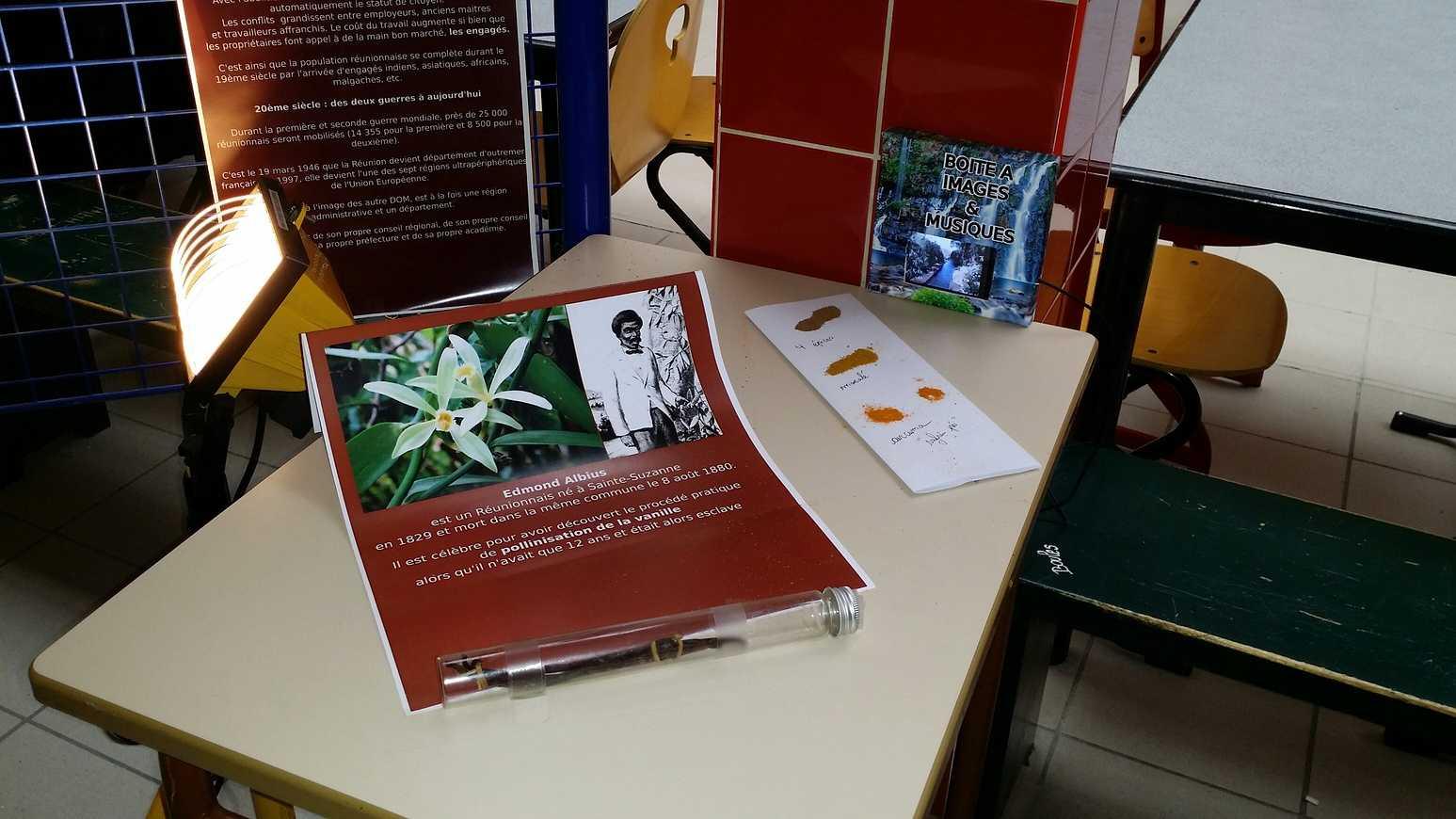 La Réunion: exposition dans le hall E 20141125143448resized