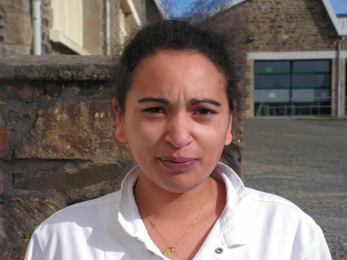 Je vous présente Charlotte, cuisinière à Henri Avril, par Lisa 0