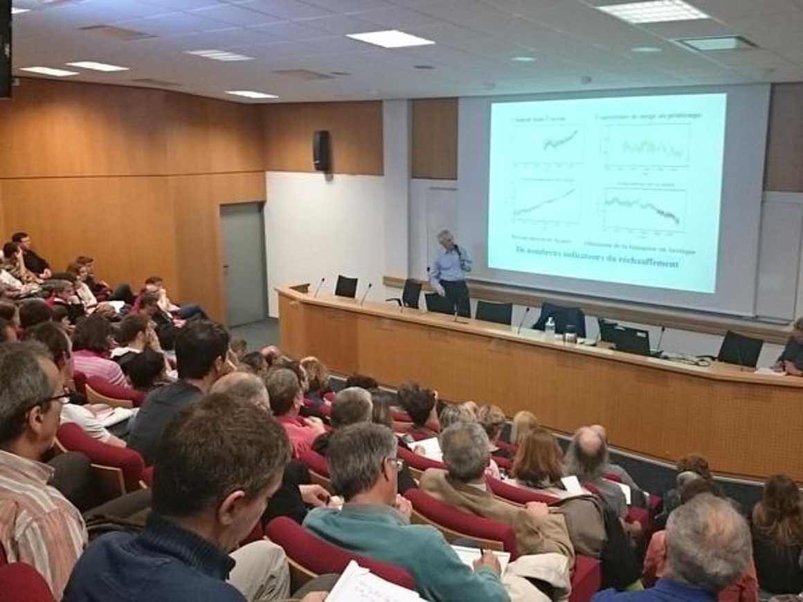Quatre élèves du ''''projet Alpes'''' ont témoigné lors d''une conférence de Jean Jouzel à Rennes cges78ew8aapmvn