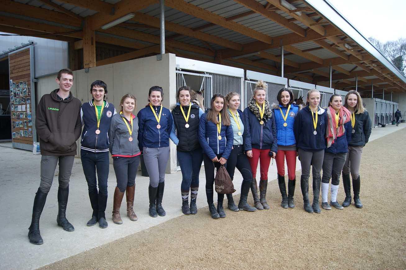 Un championnat académique d''équitation! 0
