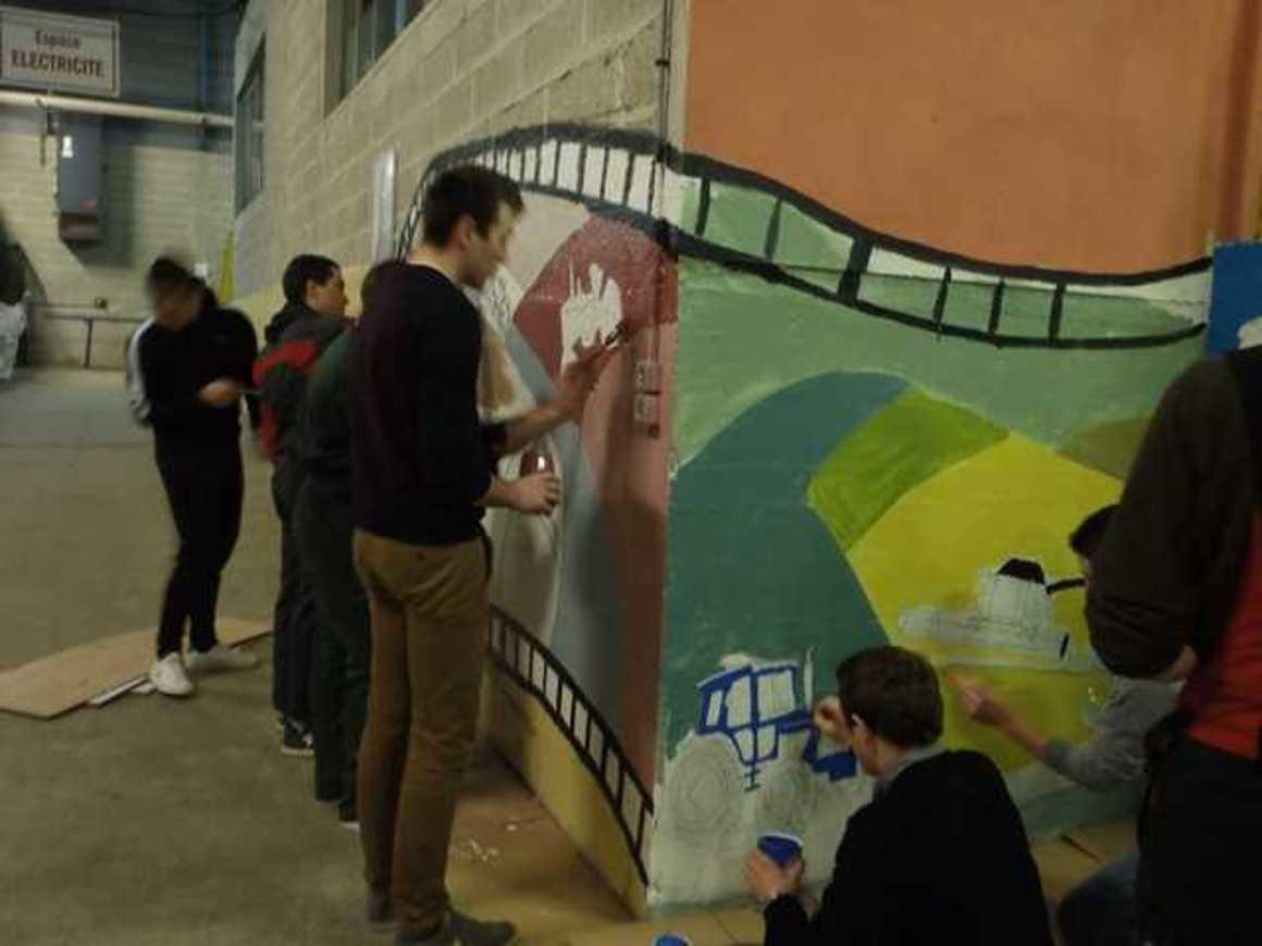 Des fresques pour égayer les ateliers p2190031
