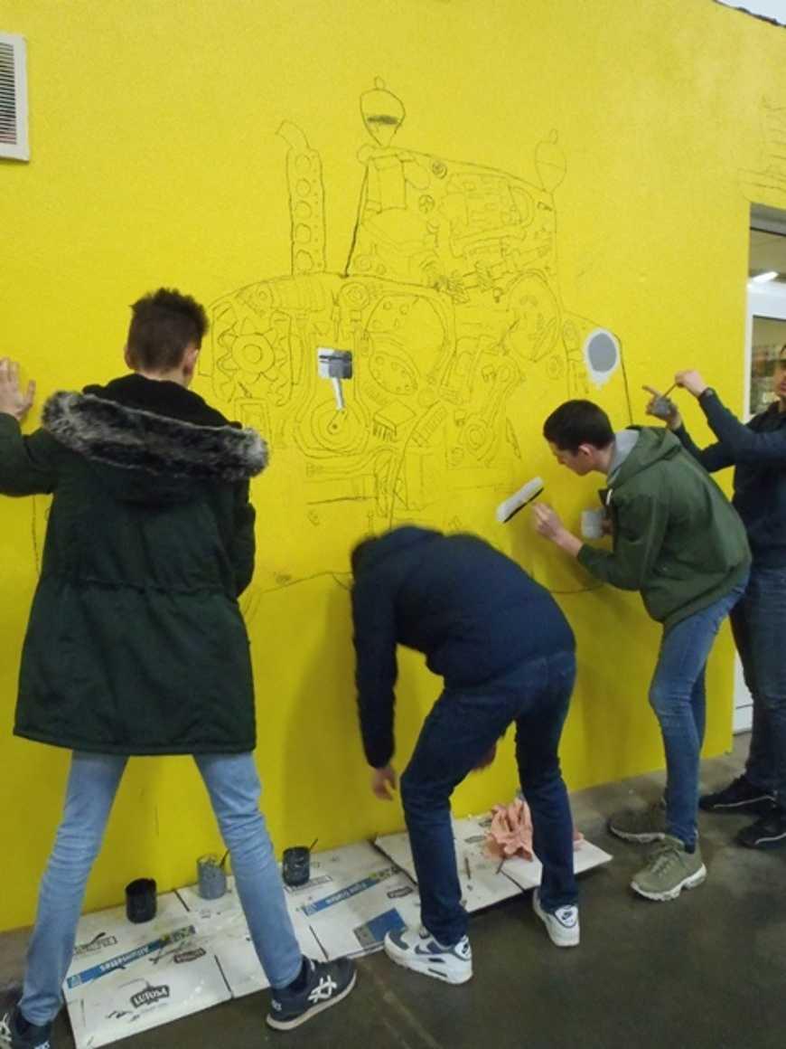 Des fresques pour égayer les ateliers 0