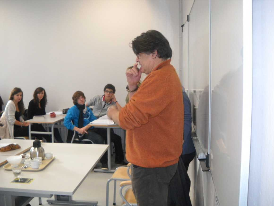 L''écrivain Patrick Bard a rencontré des élèves du lycée dscn1574
