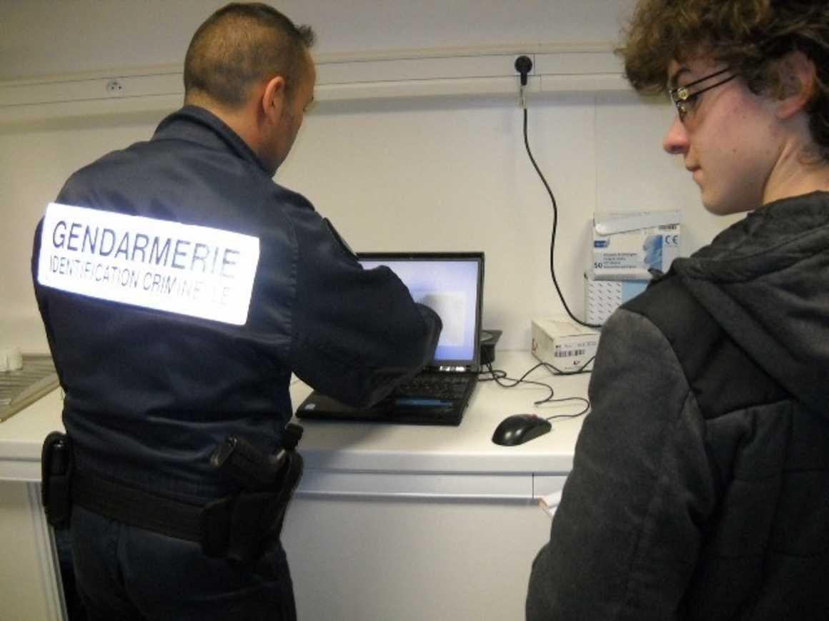 Tugdual, Paolig et Charles ont visité les locaux de la gendarmerie scientifique 0