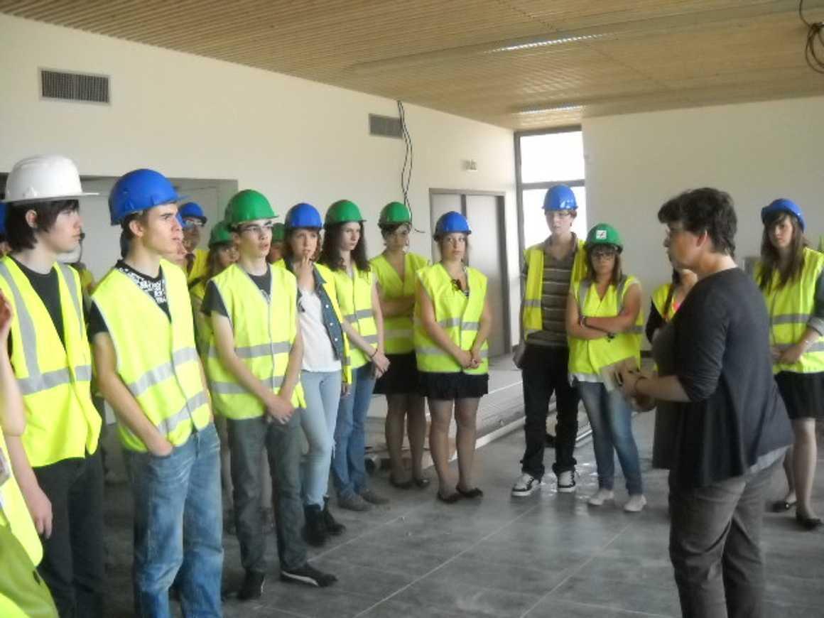 Les secondes 4 ont visité le nouveau collège de Chatelaudren dscn2756