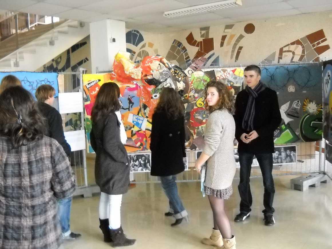 """""""Murs-murs"""" une exposition dans le hall du 11 au 26 novembre dscn0170"""