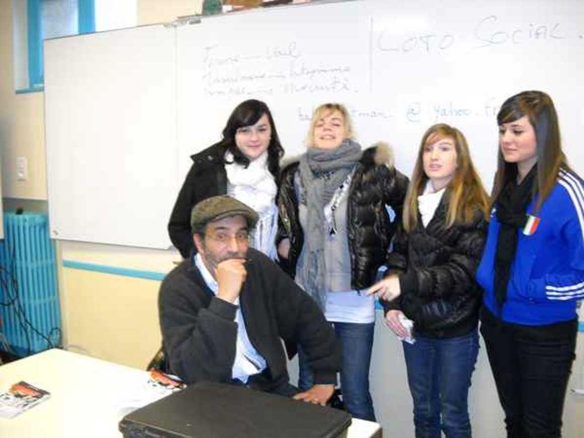 L''écrivain Hafed Benotman a rencontré deux classes photo001
