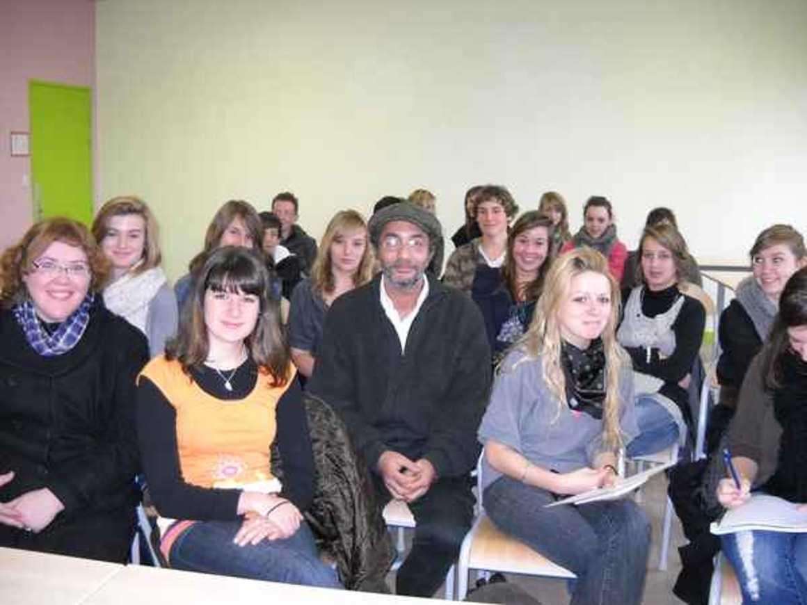 L''écrivain Hafed Benotman a rencontré deux classes photo004