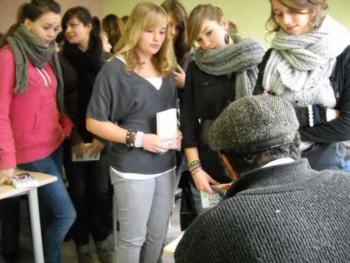 L''écrivain Hafed Benotman a rencontré deux classes photo008