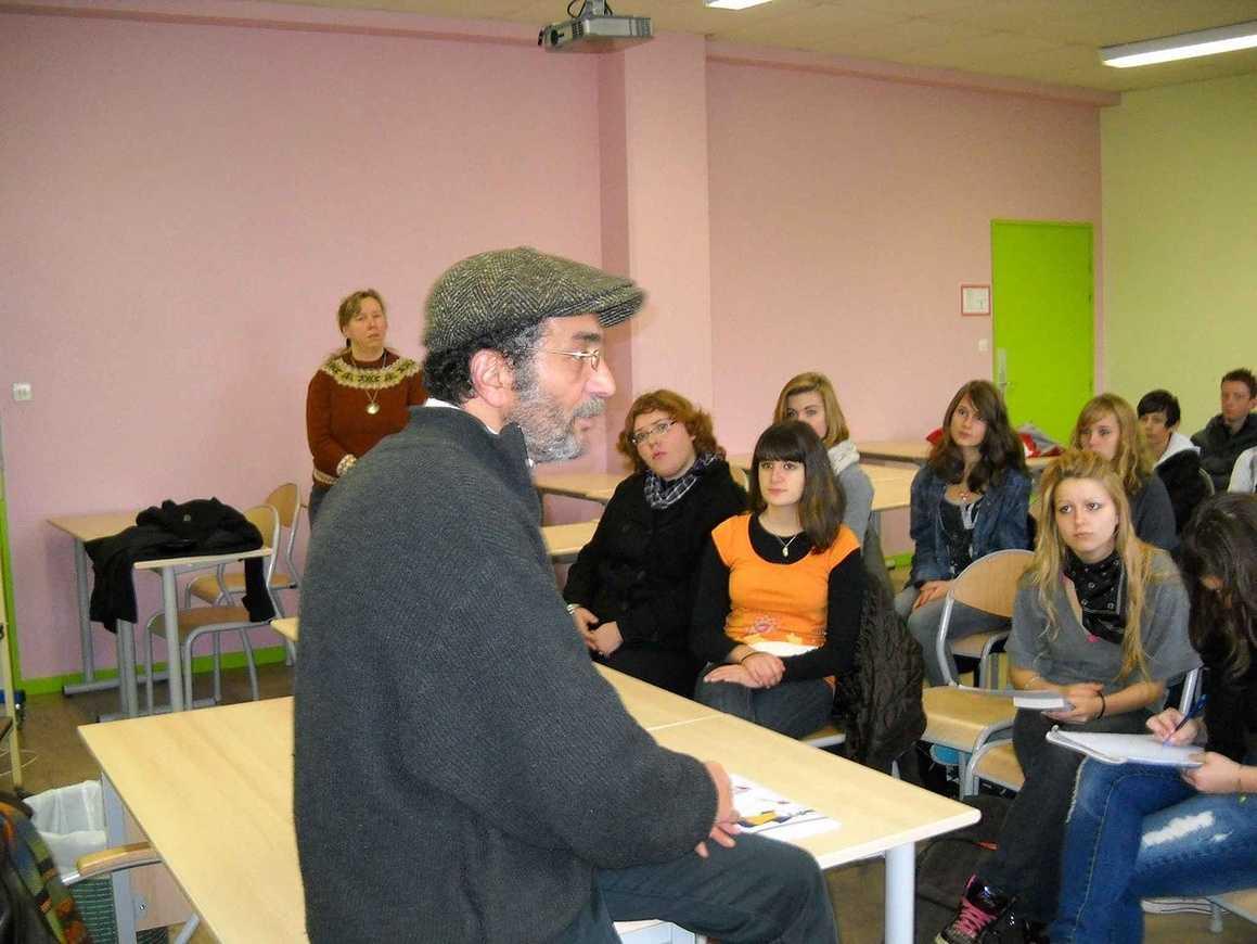 L''écrivain Hafed Benotman a rencontré deux classes 0