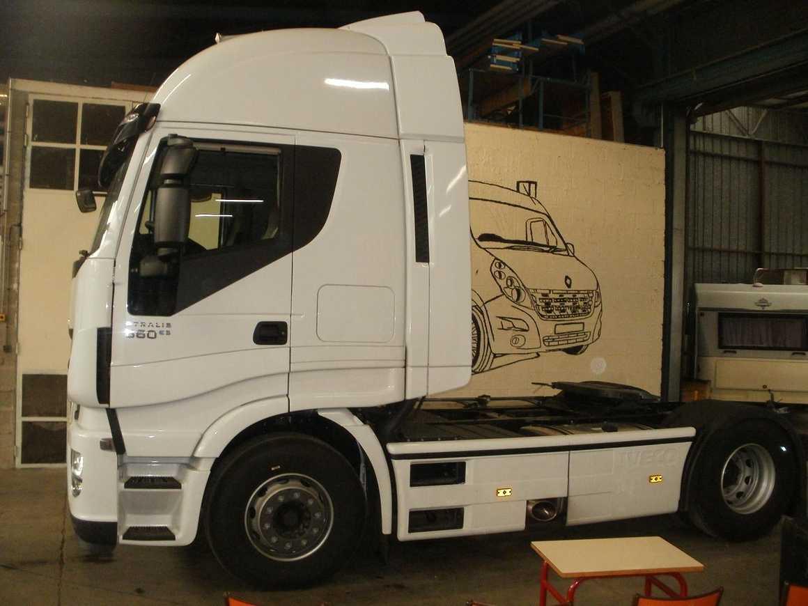 Les VI ont découvert et accueilli de nouveaux camions pc211825