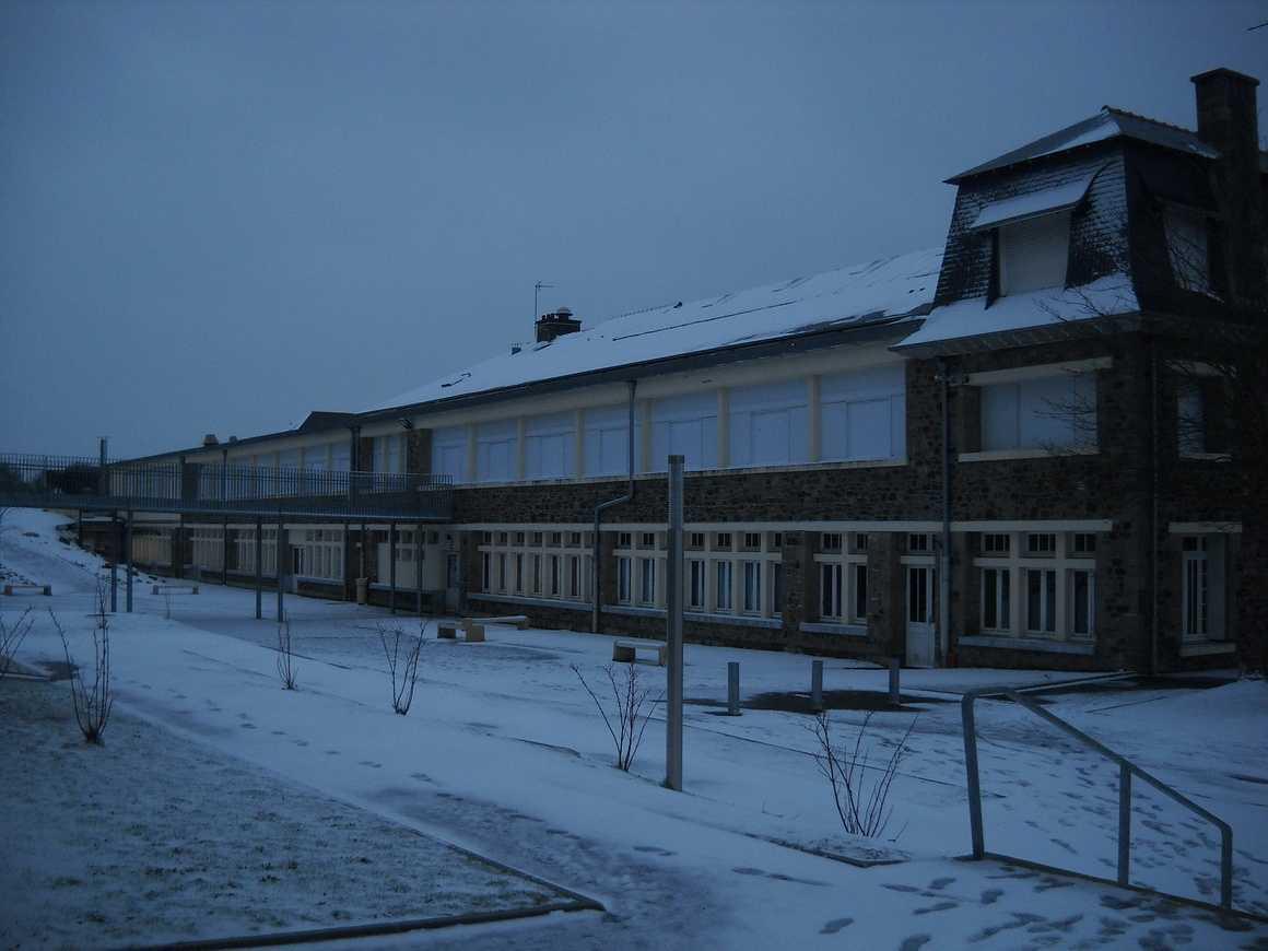 Le lycée sous la neige dscn3658