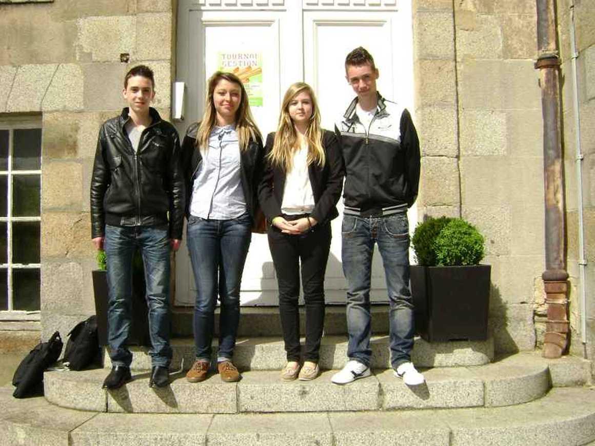 22 élèves de seconde 3-4 et 8 finalistes de la 2ième édition du Tournoi de gestion se classent à la 5ième place parmi les 3 300 candidats inscrits 0
