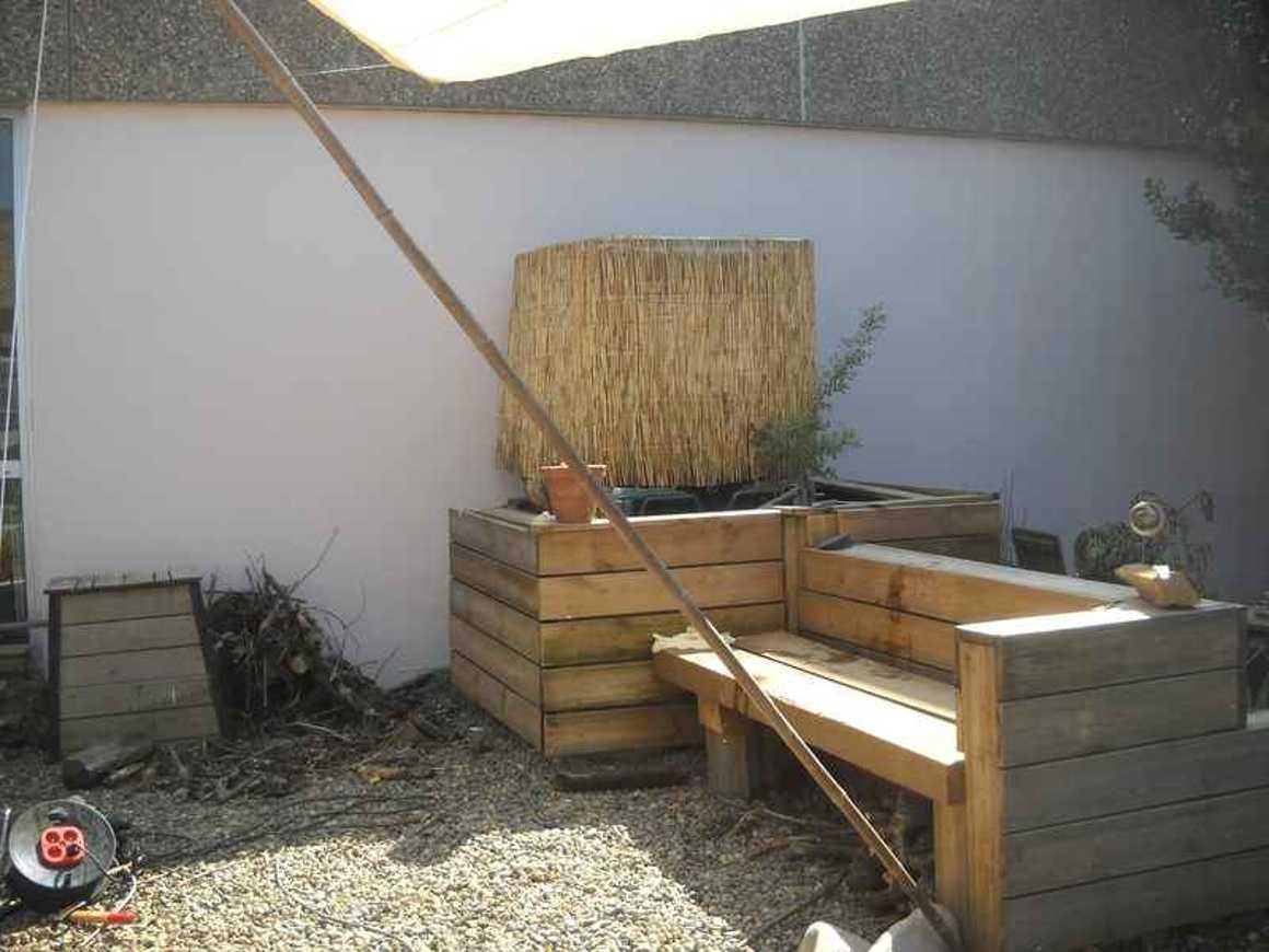 Avec patience, le patio avance.. dscn4480