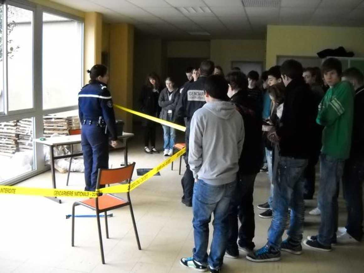 La gendarmerie scientifique au lycée dscn0547