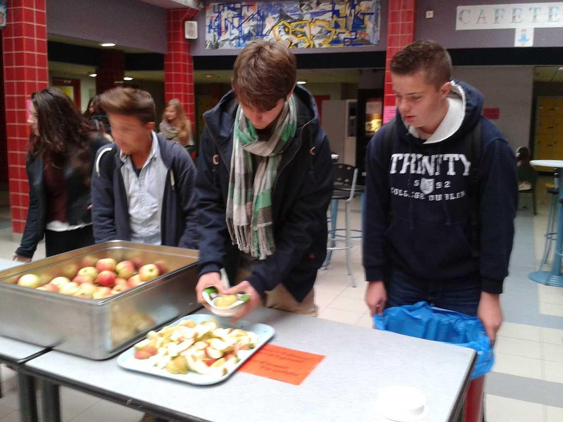 Pommes à la récré. 003
