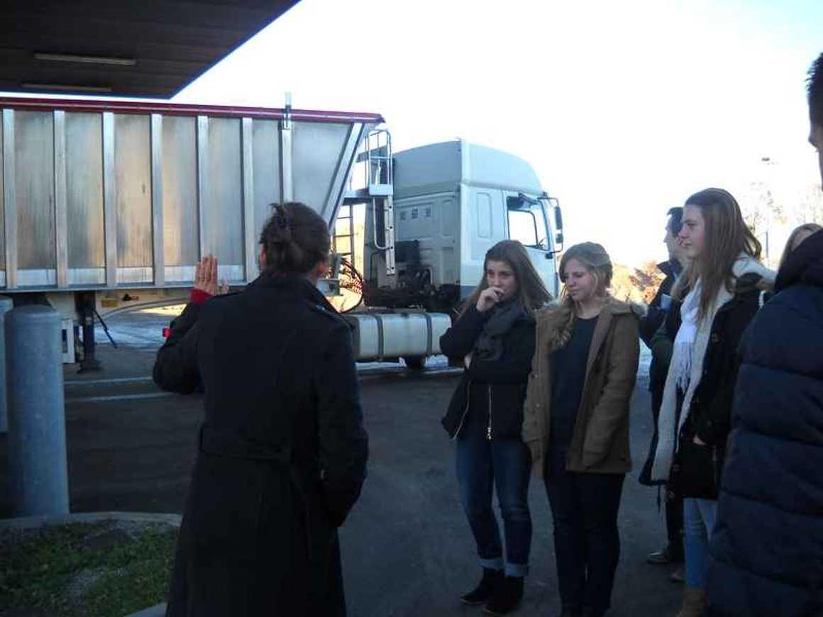 Visite de Géotexia et de l''huilerie de colza du Mené dscn5211