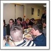 apres le boeuf musical, le cvl et les adultes de l adapei ont dejeune ensemble