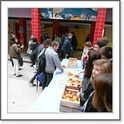 distribution de pommes par le cvl vendredi 7/11 a la rcre de 10h