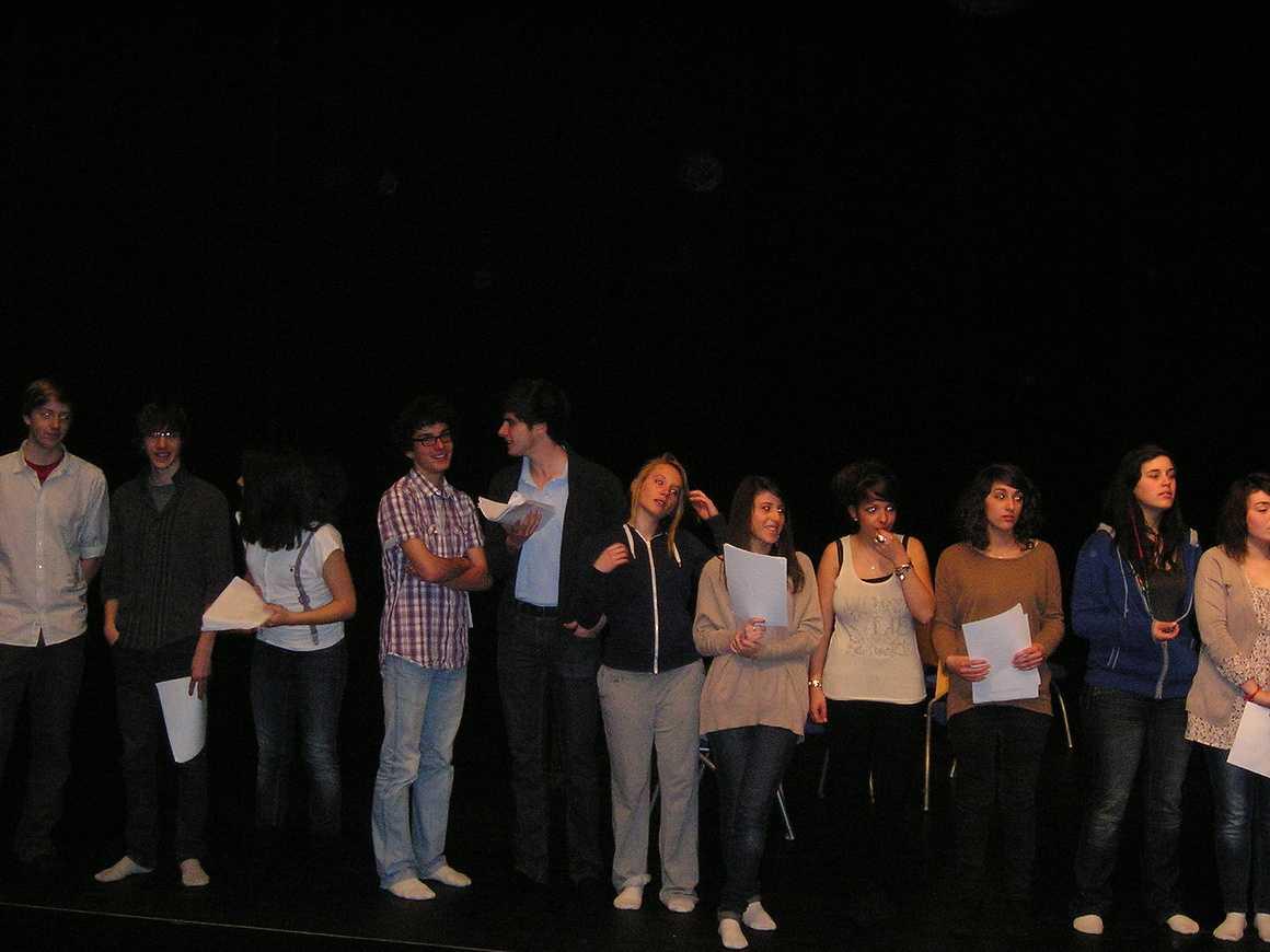 """Répétition du spectacle des 1ères L : """"Le Grand Bazar"""" mars2011006"""