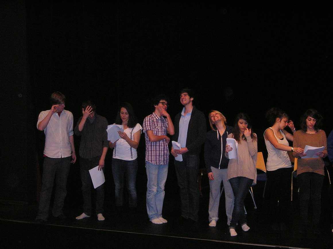 """Répétition du spectacle des 1ères L : """"Le Grand Bazar"""" mars2011007"""