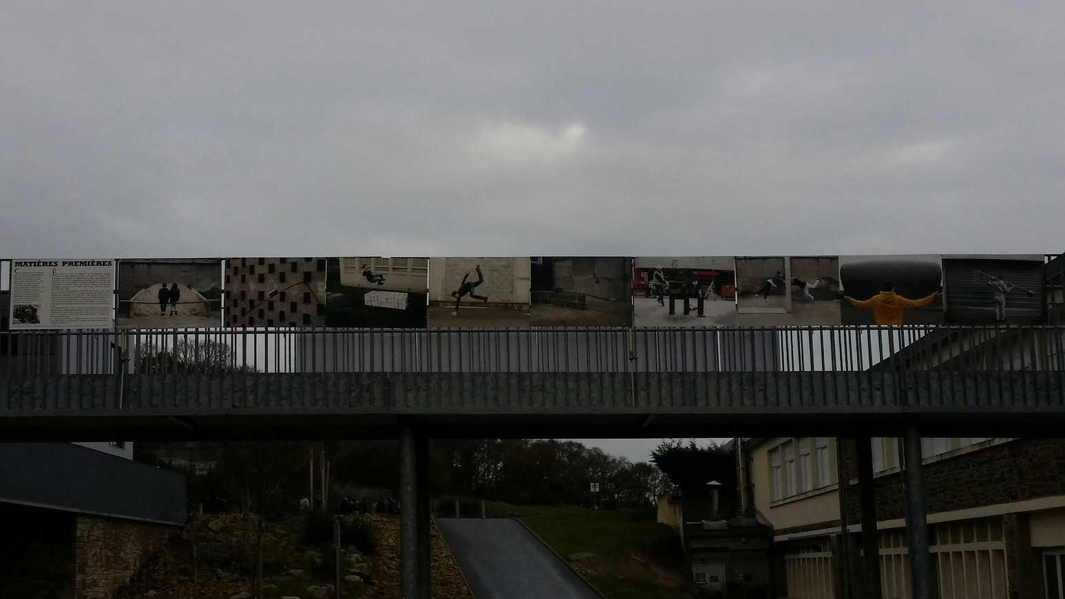 """L''exposition """"Matières premières"""" est installée sur la passerelle 20141215130014resized"""
