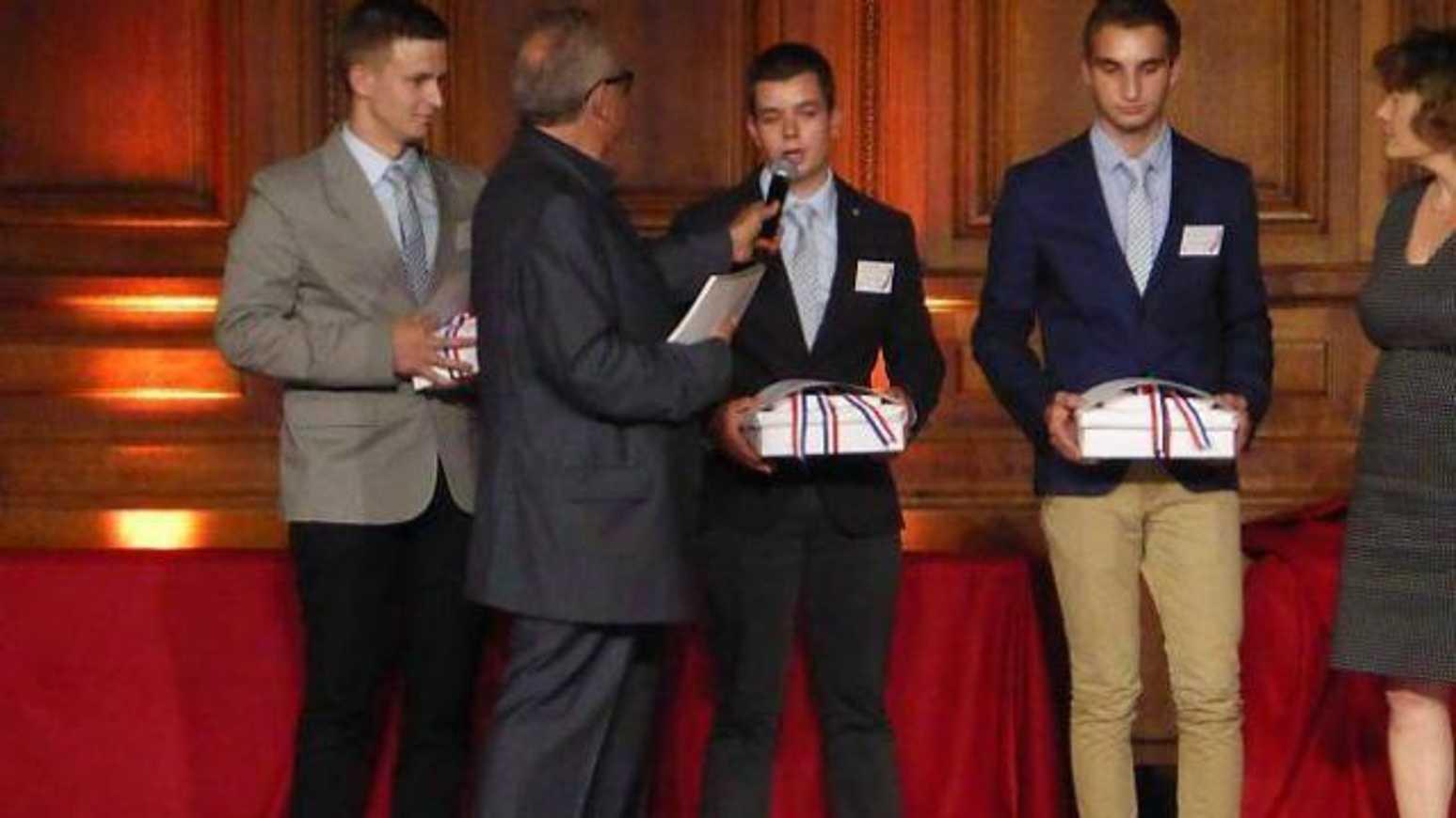 Glen Ravard, lycéen à Avril, médaillé d''argent (OF) 0