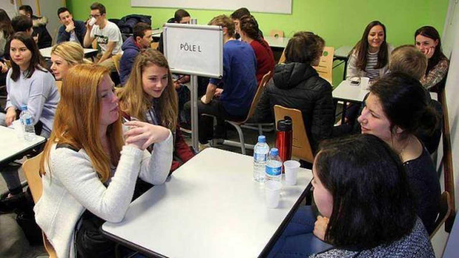 Des lycéens ont parlé orientation en speed dating 0