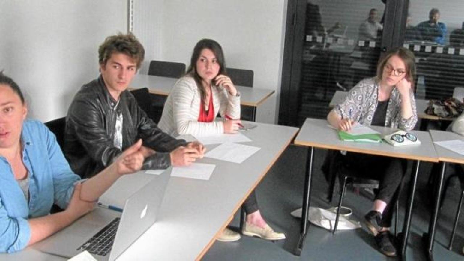 Les lycéens s''investissent avec l''ADAPEI 0