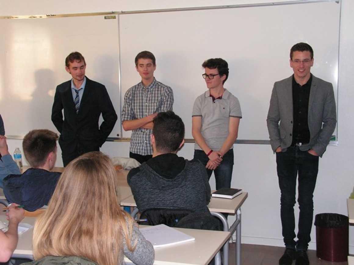 Forum des anciens élèves pict0071