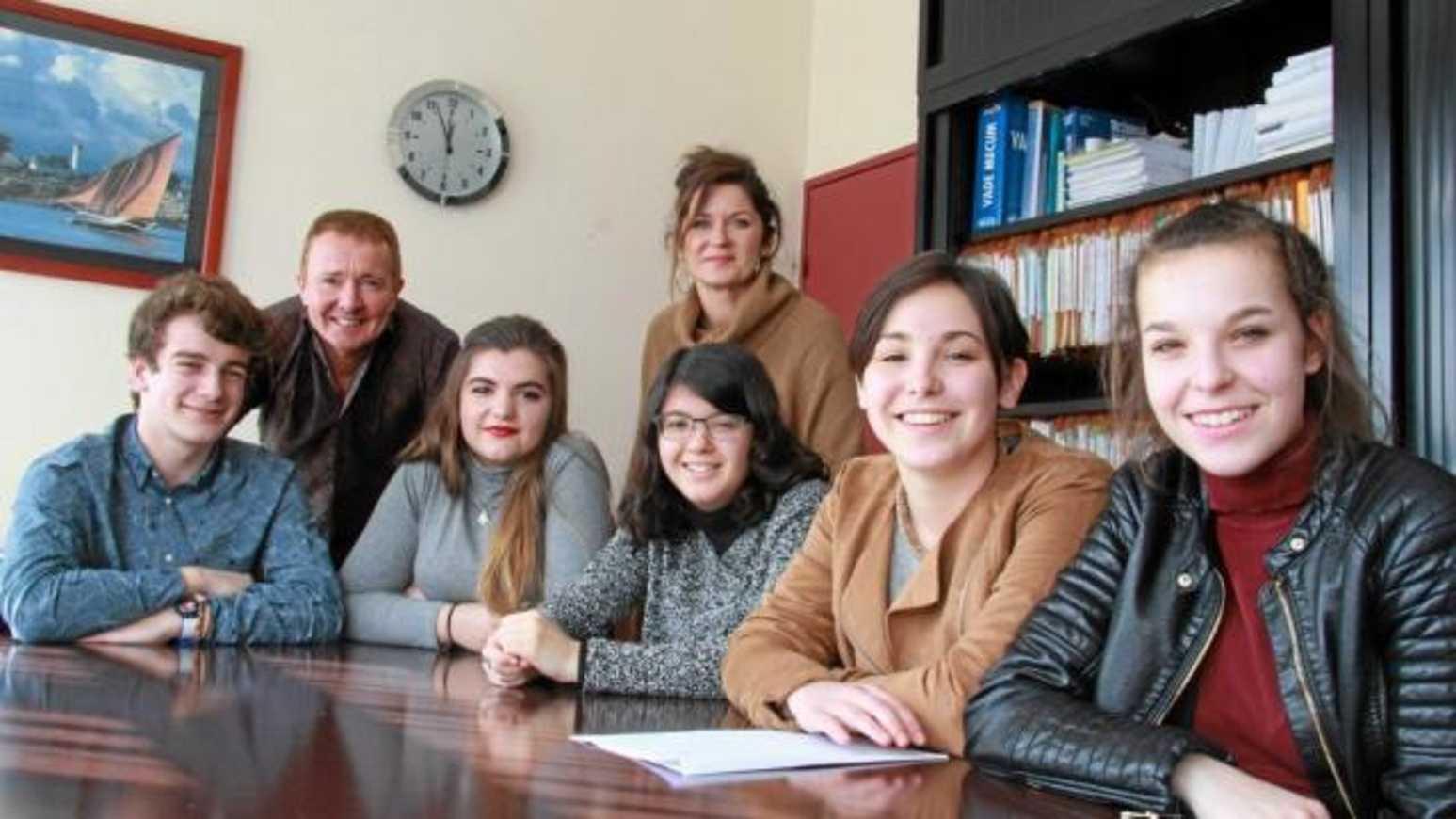 Au lycée Avril, les élèves sur la planète des langues 0