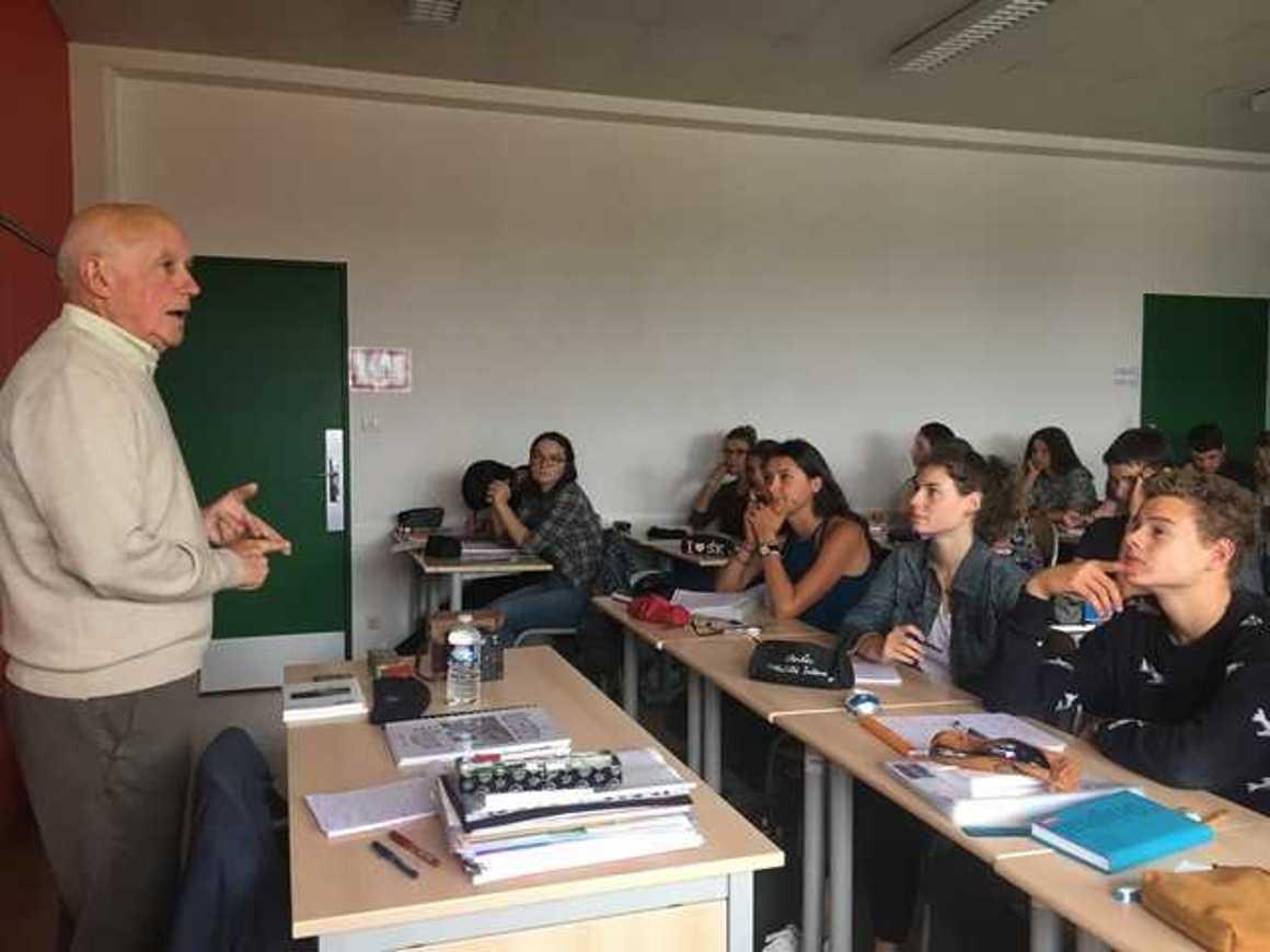 Témoignage vivant de faits de représailles par les Allemands lors de la Seconde Guerre Mondiale aux élèves de Terminale S. img2438