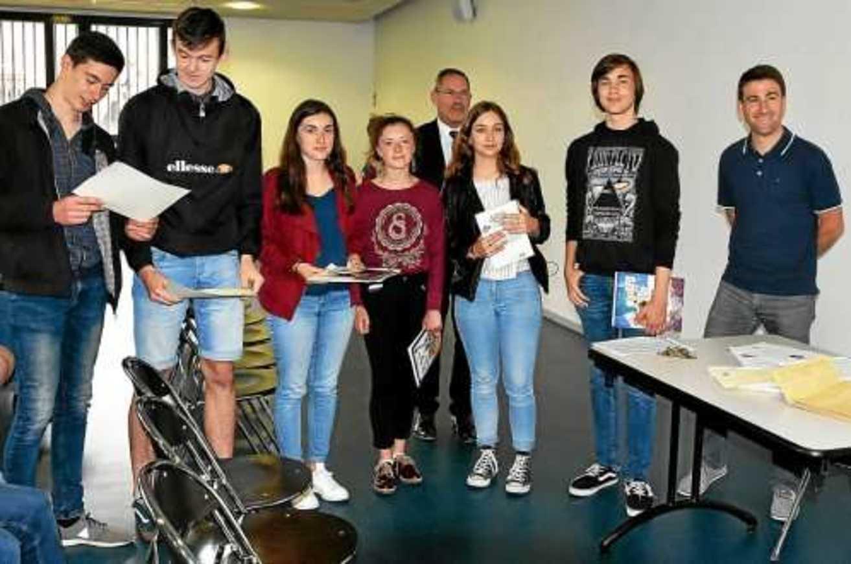 Des lycéens d''Henri-Avril ont participé aux Olympiades de géosciences la-remise-des-prix-du-concours-geosciences-aux-eleves-de3979574498x330p