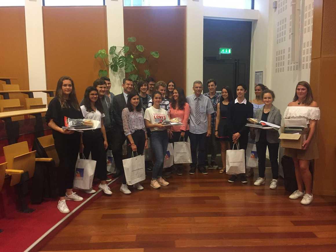 Des lycéens d''Henri-Avril ont participé aux Olympiades de géosciences remiseprixgeosciencesarennes