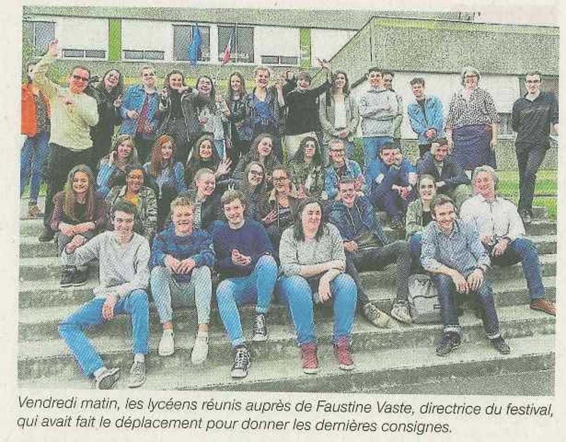 Soixante lycéens bénévoles à Bobital 0