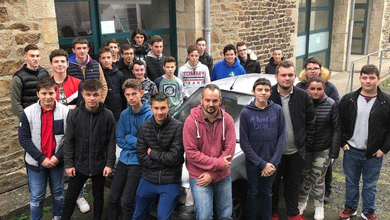 27 élèves mobilisés pour l'Europe raid b15f2b2368e442ed4de690860a5045a9-lamballe-ils-bichonnent-une-205-pour-un-raid-humanitaire