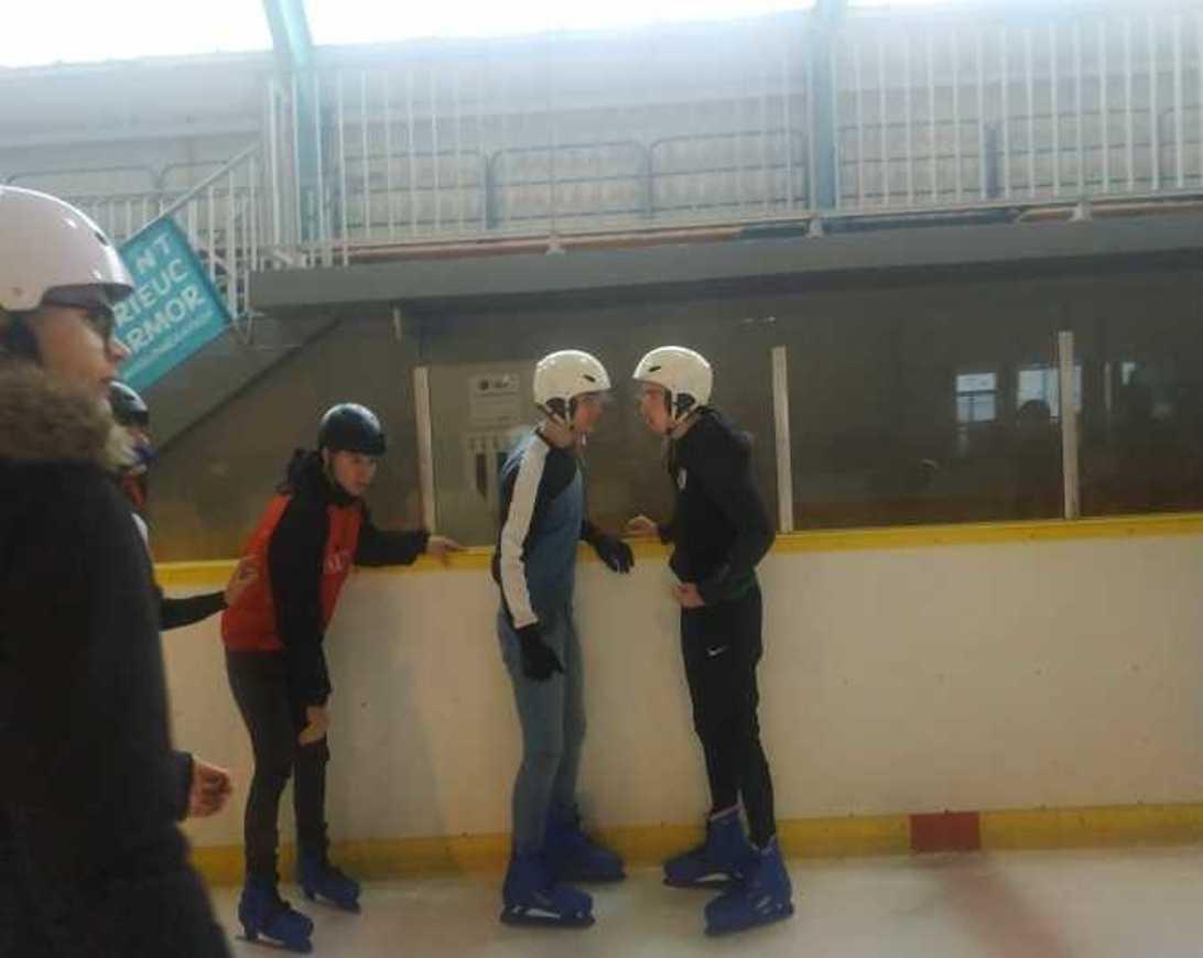 Les internes patinent patinoire2