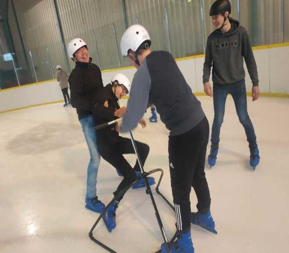 Les internes patinent patinoire4