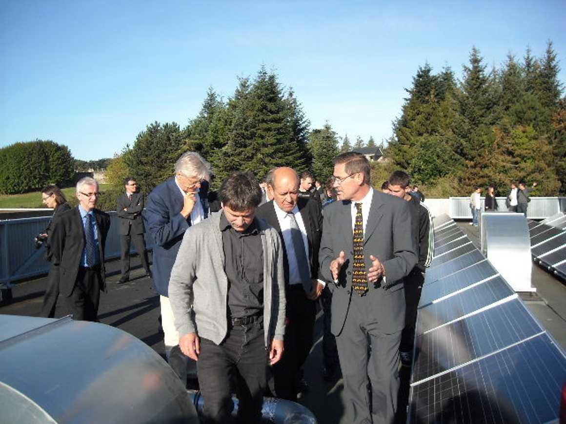 Mr Le Drian, Président de la région Bretagne a visité le nouvel internat 0