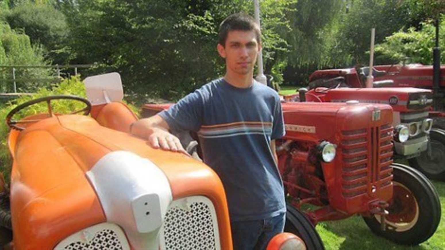 Sylvain Chauveau redonne une vie à ses vieux tracteurs (article de OF) 0