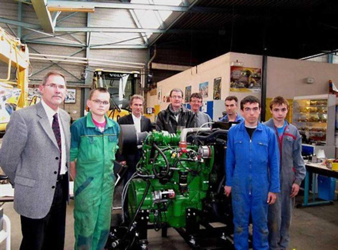 Des lycéens formés sur un moteur dernier cri 0