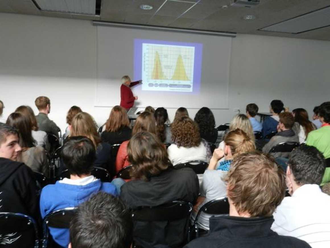 « Le climat et ses changements ? un retour vers le futur » conférence de Mr Labeyrie 2012eddlamballe007