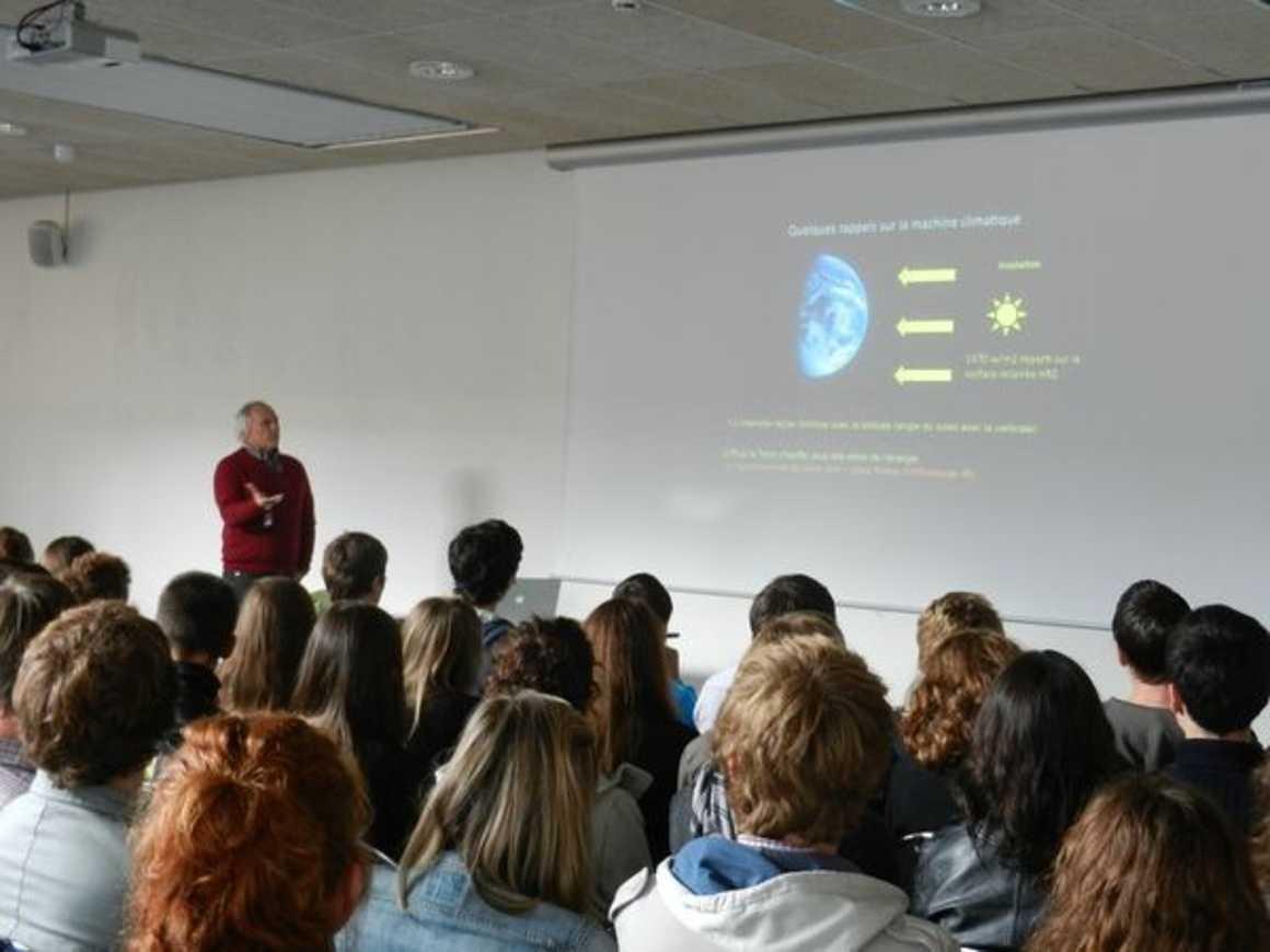« Le climat et ses changements ? un retour vers le futur » conférence de Mr Labeyrie 0