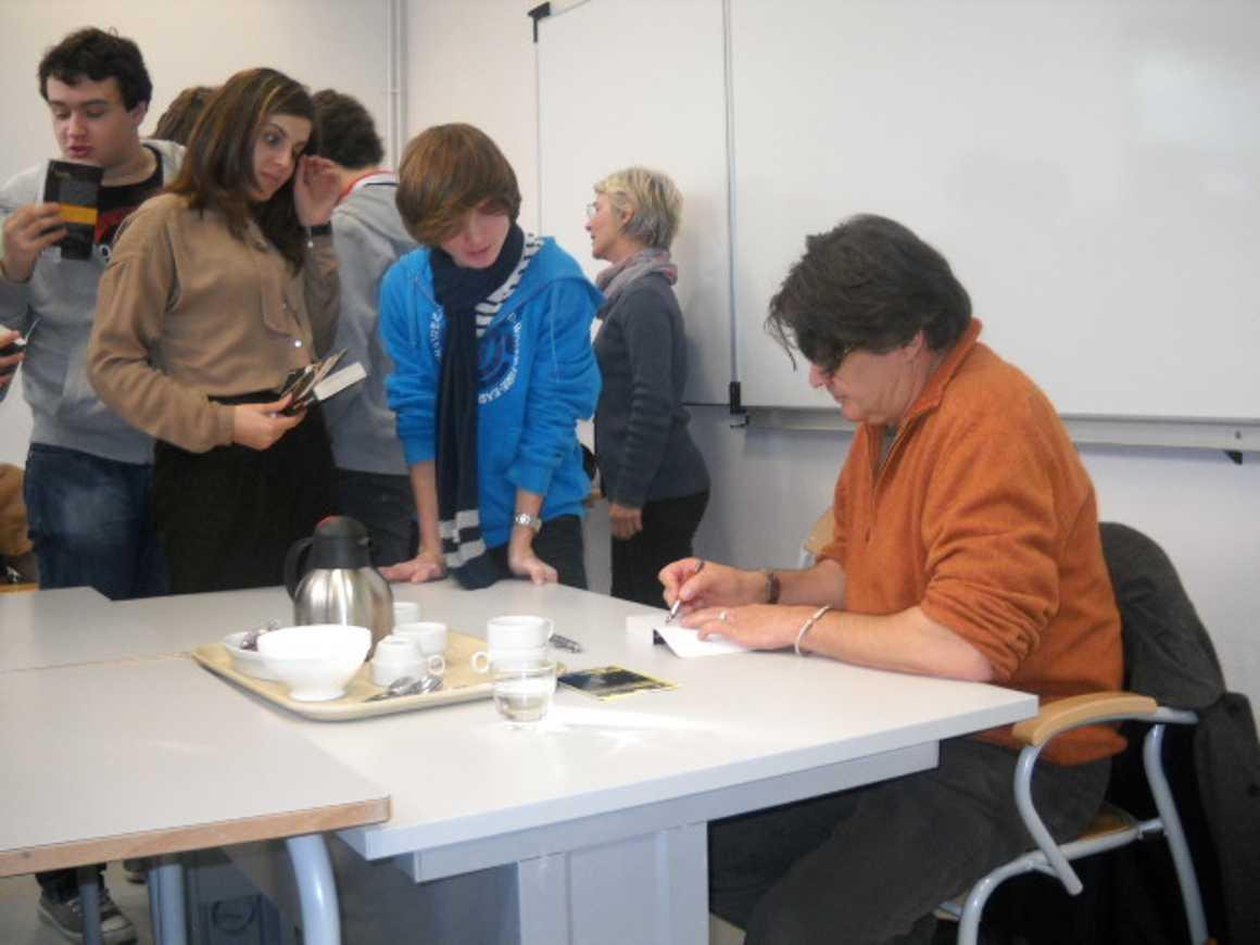 L''écrivain Patrick Bard a rencontré des élèves du lycée dscn1580
