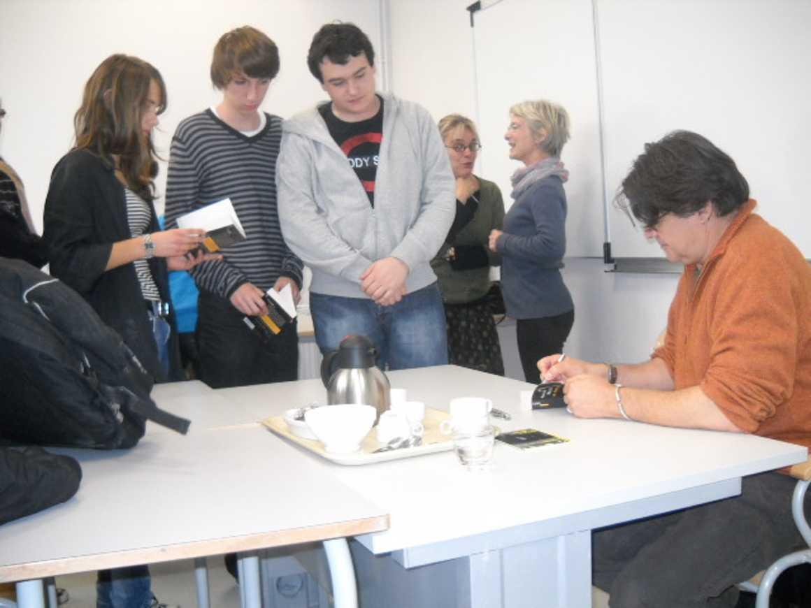L''écrivain Patrick Bard a rencontré des élèves du lycée dscn1581