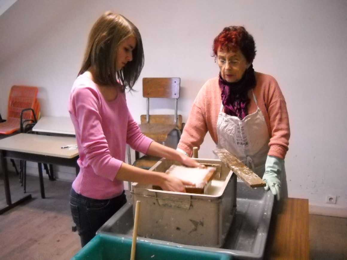 Fabrication de papier, visite des archives, d''une scierie et des jardins municipaux dscn1797
