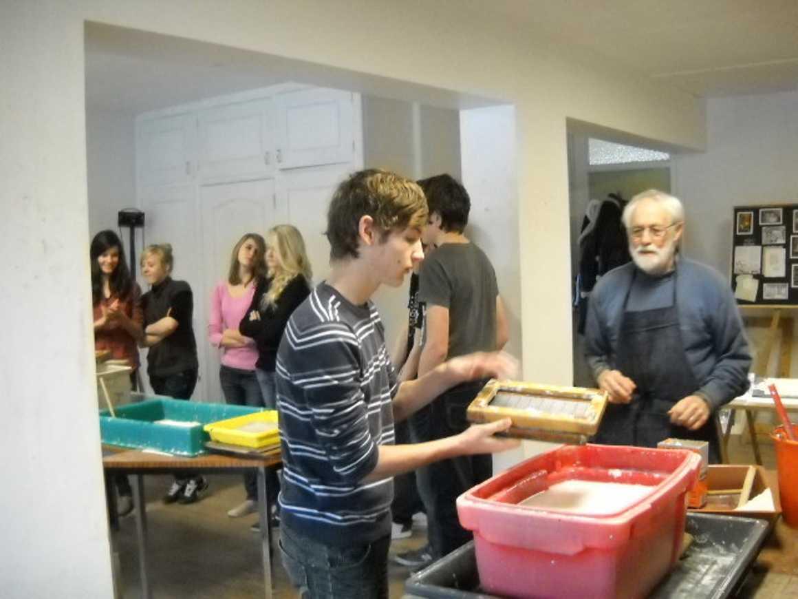 Fabrication de papier, visite des archives, d''une scierie et des jardins municipaux 0