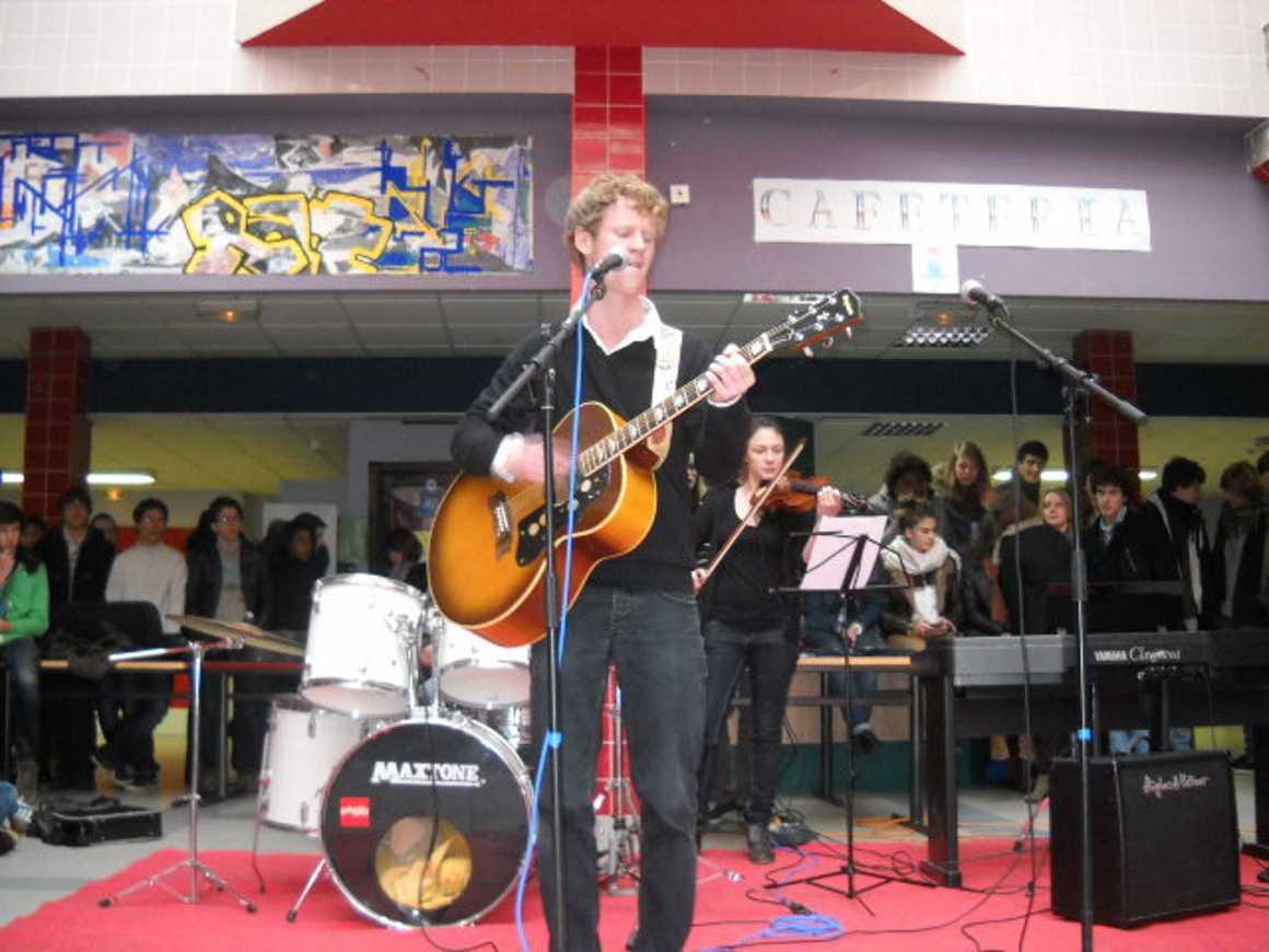 Un très beau boeuf musical avant les vacances de Noêl dscn2005